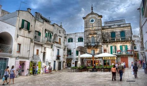 secret italian villages  visit   crowds    italy page