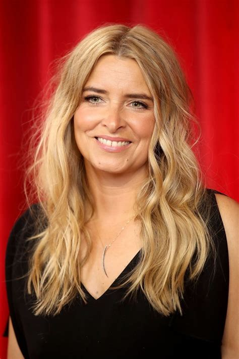 actress emma atkins emmerdale charity dingle actress emma atkins real life