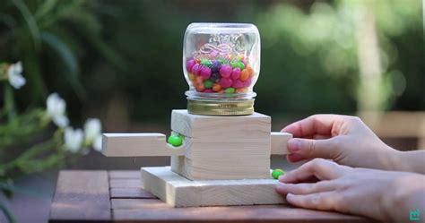 Como Hacer Denarios Con Dulces | c 243 mo hacer un dispensador de dulces casero con un frasco