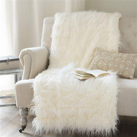 faux fur coverlet astrakan faux fur throw in ecru 130 x 170cm maisons du monde