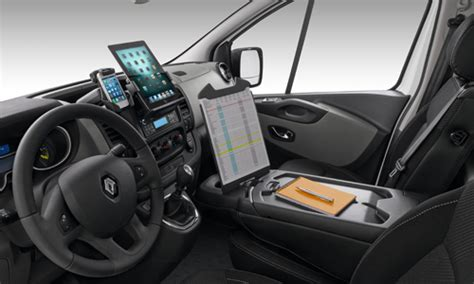 renault trafic 2016 interior new trafic discover the interior of the quot van 224 vivre