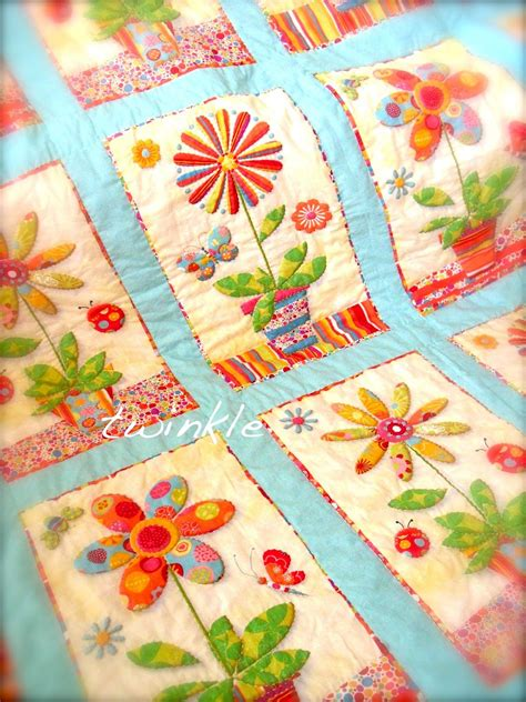 applique patchwork appliqued potted flower quilt quilt mania