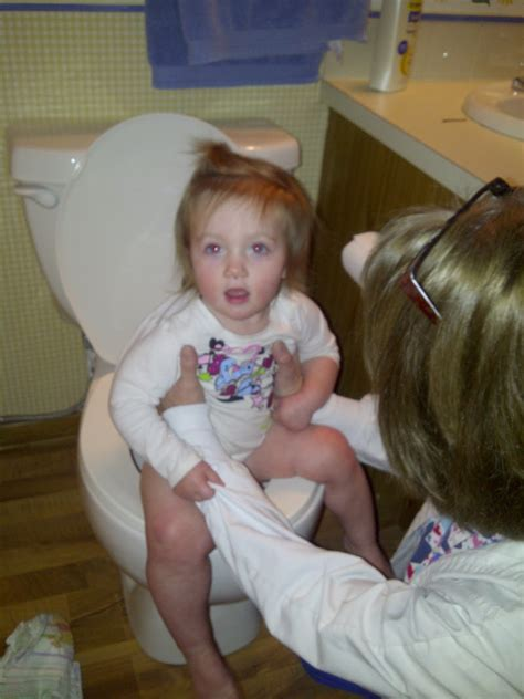 toddler girl potty training toddler girl potty images usseek com