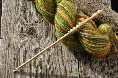 which is harder knitting or crocheting what s the difference between crochet and knitting