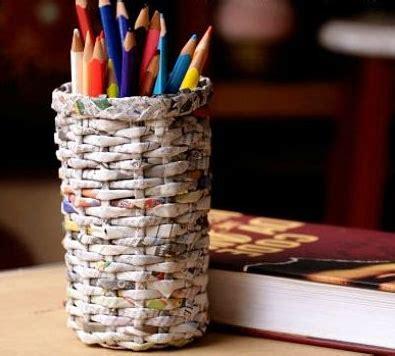 membuat tempat pensil  koran bekas  mudah