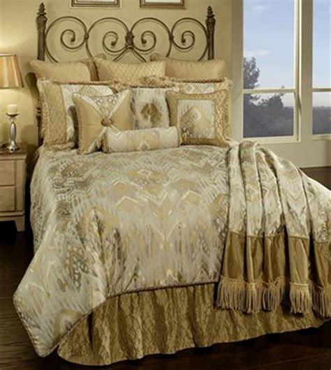 Horn Bedding by En Vogue Paramour By Horn Luxury Bedding