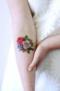 25 tatuajes de rosas negras ideales para ti 15 tatuajes florales perfectos para esta primavera