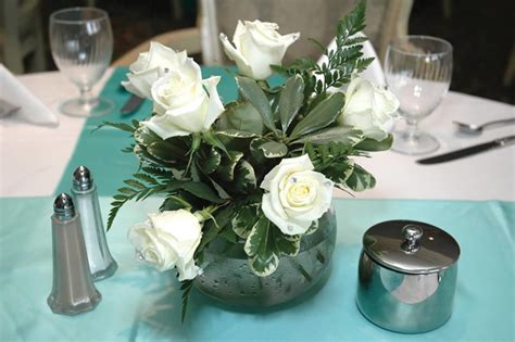 small flower arrangements for tables 33 extravagant floral arrangements for your dining table