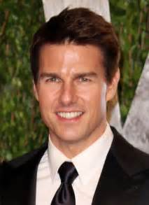 tom cruise eye color tom cruise height weight statistics healthy