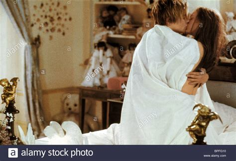 romeo and juliet bed scene leonardo dicaprio claire danes romeo juliet romeo
