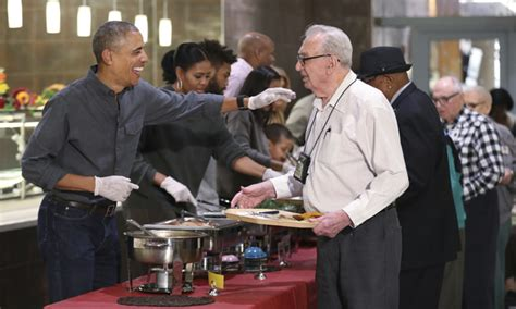 obama makes thanksgiving turkey pardon daily mail