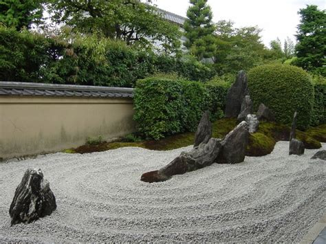 japanese rock garden pictures japanese rock garden 枯山水 karesansui