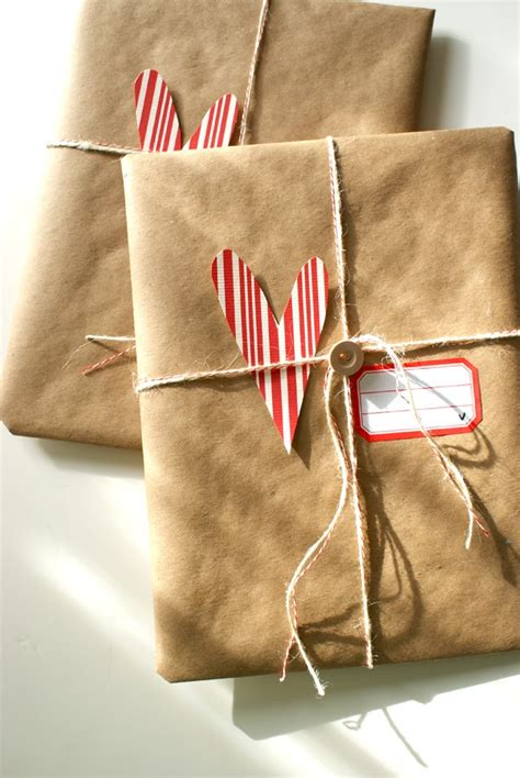 wrap gift anyone can decorate christmas gift wrapping ideas