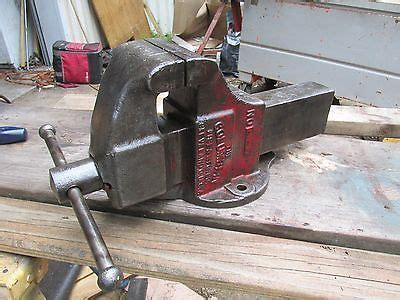columbian   vise  wide jaws fixed base