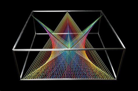 prisma beleuchtung designer couchtisch aus glas wie ein prisma das das