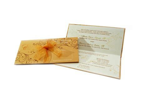 desain undangan pernikahan full color undangan pernikahan undangan soft cover full color