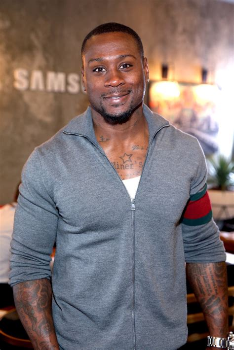 actor thomas jones thomas q jones from the nfl to being mary jane cutty