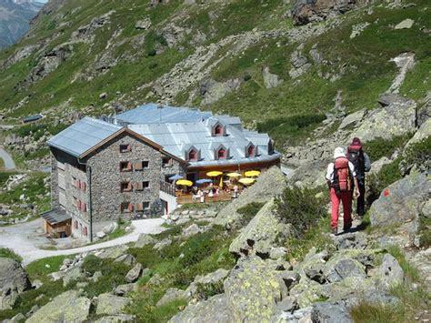 Berghütten In Tirol by Huttentocht Blauwe Silvretta Tirol Vorarlberg Montafon