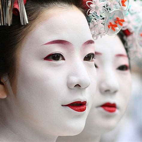 Eyeliner Kimono 17 best images about geisha makeup on kanzashi tutorial kimonos and