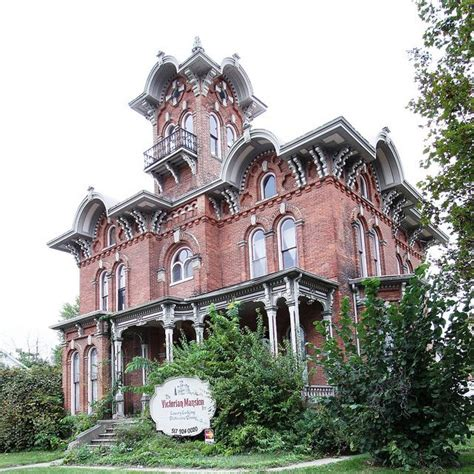 victorian mansions 606 best victorian houses images on pinterest victorian
