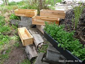 Building Planter Boxes by Build Railing Boxes Flower Box And Planter Box For Deck