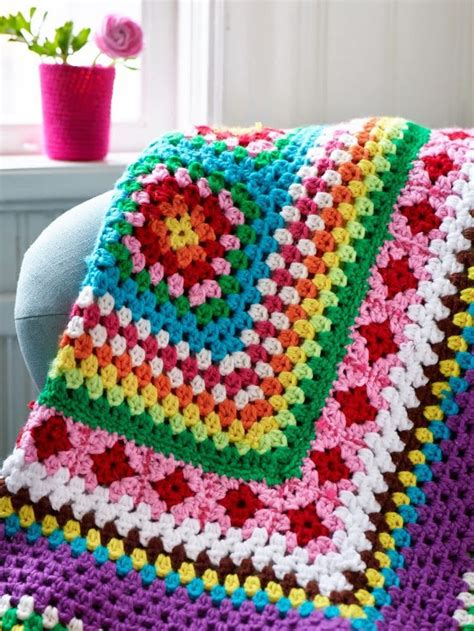 pattern finder crochet top 12 giant granny squares knitting pinterest
