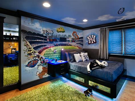Baseball Themed Bedrooms | baseball themed teenage boy s room leslie lamarre hgtv