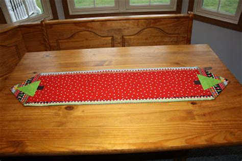 10 Minute Place Mat Pattern - sew it s midnight table runner