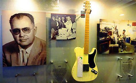 fender guitar factory   visitor center