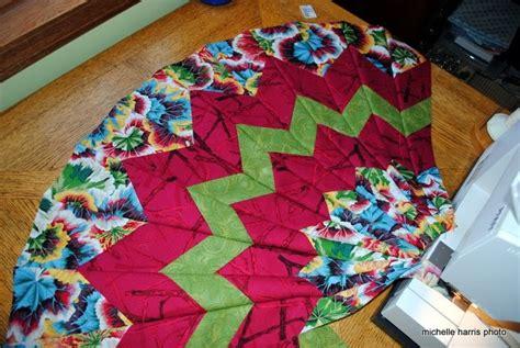 periwinkle quilting   circular quilt