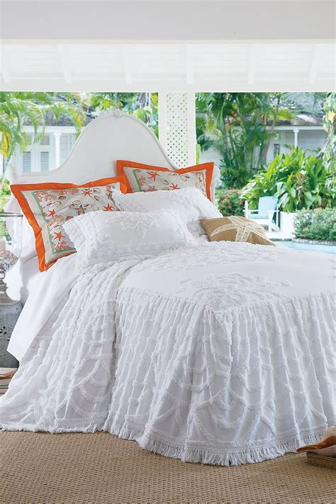 skirted bedspreads coverlets 1000 images about the perfect bed on pinterest soft