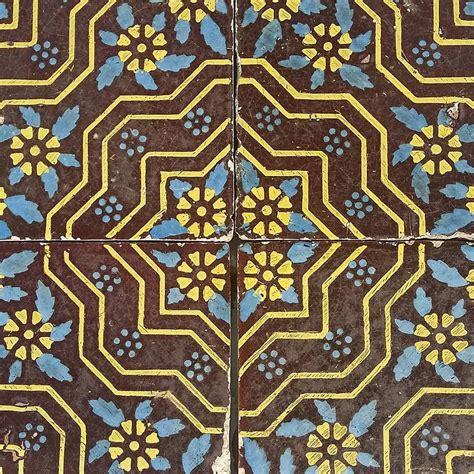 piastrelle napoletane italian tiles from naples in maiolica 20x20 cms