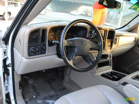 2004 Chevy Tahoe Z71 Interior by Neutral Interior 2004 Chevrolet Tahoe Lt Photo 38230975 Gtcarlot