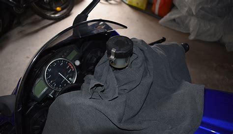 Motorrad Gabel Härter Stellen by Bremsfl 252 Ssigkeit Wechseln Yamaha R6 Rj11 Rj15