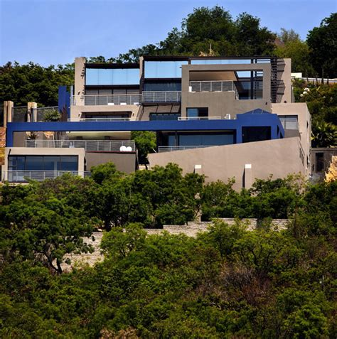 Luxury Contemporary Homes luxurious living in johannesburg south africa house tat