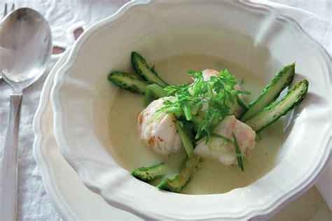 cucinare rana pescatrice in umido ricetta nocette di pescatrice in umido di asparagi la