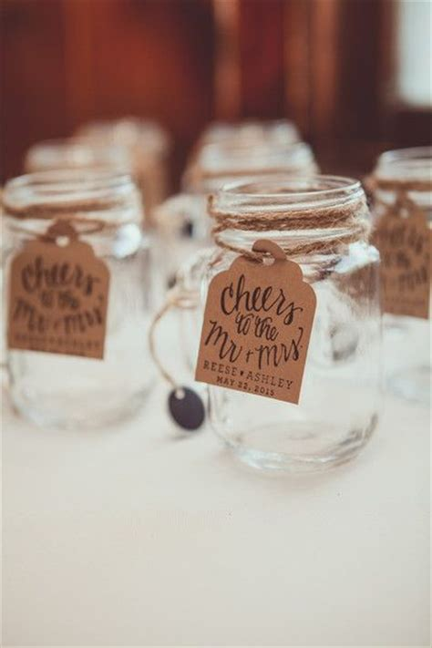 Mason Jar Wedding Giveaways - best 25 mason jar wedding favors ideas on pinterest wedding favours in jars