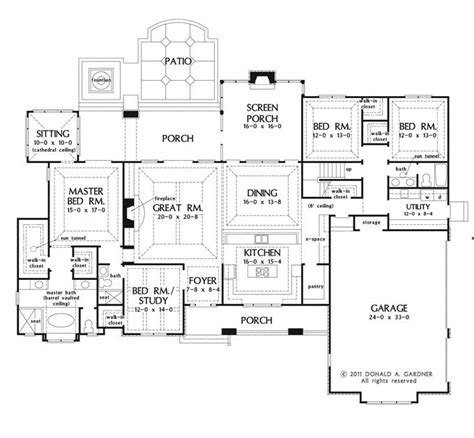 Large One Story House Plan Big Kitchen With Walk In Pantry Screened Porch Foyer