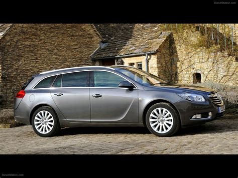 vauxhall insignia ecoflex sports tourer car picture