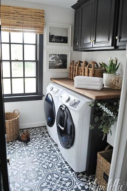 10 Laundry Room Ideas We Re Obsessed With Southern Living Black And White Laundry