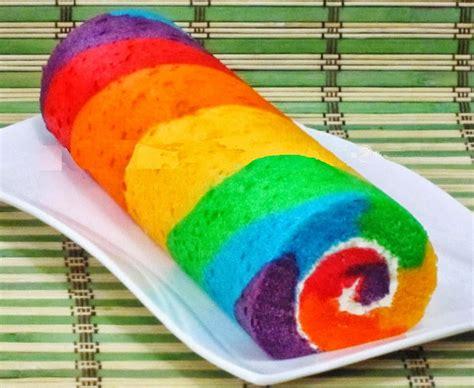 cara membuat kue ulang tahun pelangi cara membuat kue bolu gulung pelangi halus dan sederhana