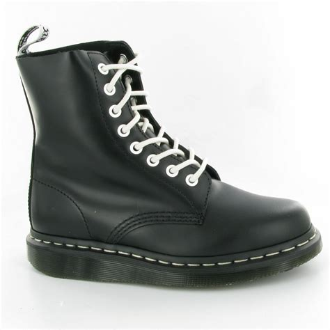 dr martens pascal wedge boots in black