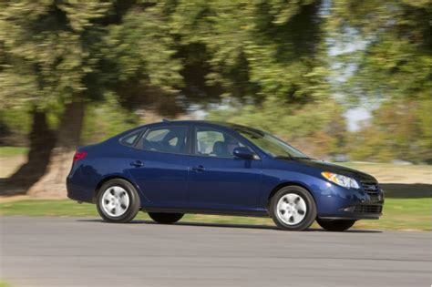 Hyundai Elantra 2010 Mpg by 2010 Hyundai Elantra Blue Higher Mpg Just 25 More