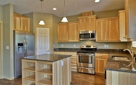 Kitchen Wall Colors With Light Wood Cabinets | kitchen wall colors with light wood cabinets kitchen paint