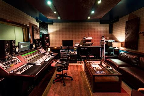 Airbnb Recording Studio | check out the airbnb of recording studios your edm