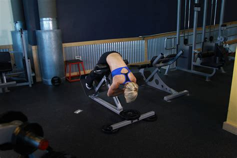 hyperextensions without bench hyperextensions back extensions exercise guide and video