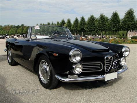 classic alfa romeo wallpaper alfa romeo 2600 spider classic cars convertible wallpaper