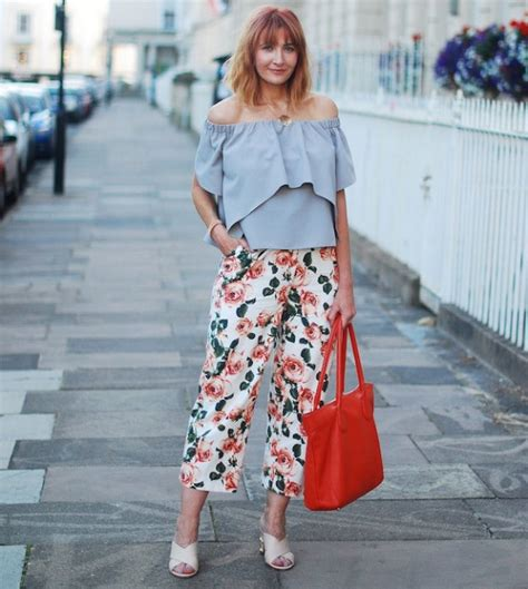 what to wear at 38 years old 30 casual outfits for women over 40