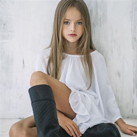 tiny pretender model japanese this girl wants to be a super star when i look at her