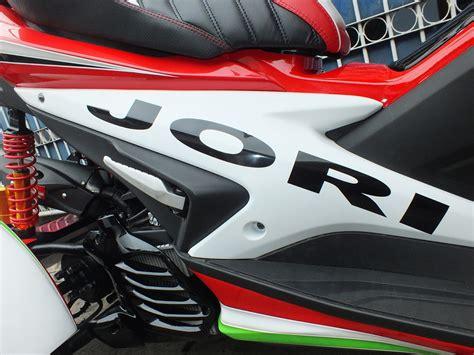 Lu Projie Aerox 155 ngecat motor yamaha aerox 155 airbrush ducati moto gp pesanan mr jori aceh